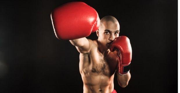 Boxe : 3 astuces pour améliorer sa droite